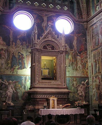kaplica gdzie przechowywany jest korporał zroszony Krwią Pańską w katedrze w Orvieto