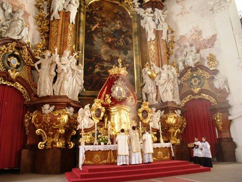 Msza św. w Bazylice krzeszowskiej