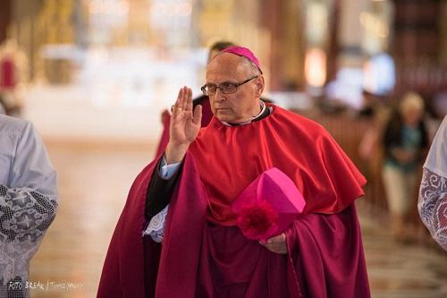 Biskup Wiesław Mering