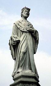Pomnik św. Jana Kantego na rynku w Kętach